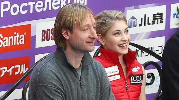 Плющенко — о Косторной: «Алена улыбается. Характер и желание есть»