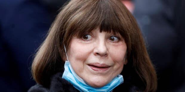 73-летнюю Наталью Варлей положили в больницу
