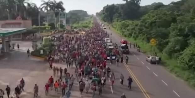 В США выдвинулся новый караван мигрантов