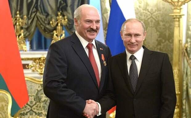 Равнение на Путина: Лукашенко тоже решил изменить Конституцию