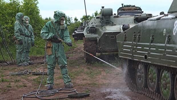 Подразделения РХБЗ проводят дезинфекцию полигонов и других военных объектов ЮВО