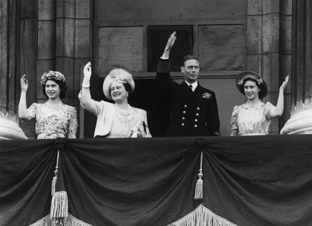 Платье королевы ЕЛИЗАВЕТЫ было вдохновлено картиной Боттичелли