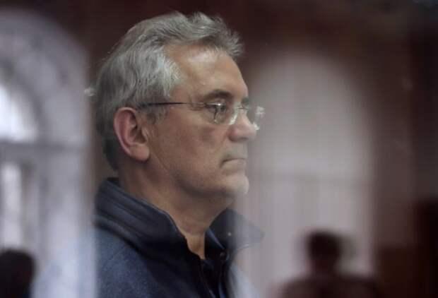 Суд продлил арест экс-губернатору Пензенской области Белозерцеву