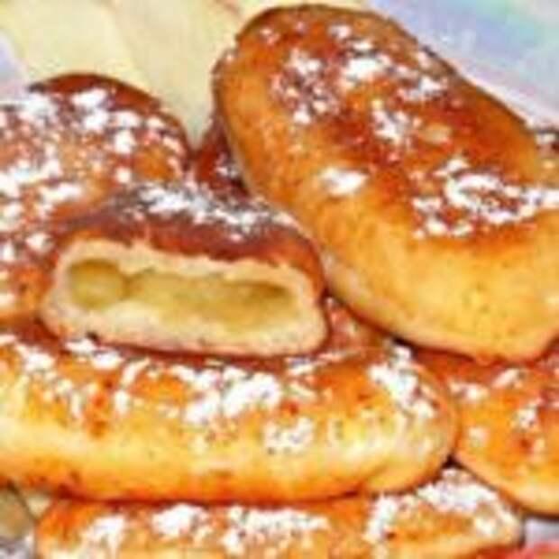 Пирожки жаренные на сковородке из творожного теста с яблоками