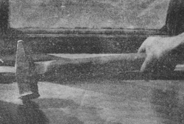 Молот, которым Василий Комаров расправлялся с жертвами. Фото из журнала «Огонек», №11, 1923 год