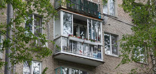 Гарантированные способы избавиться от окурков соседа на своем балконе