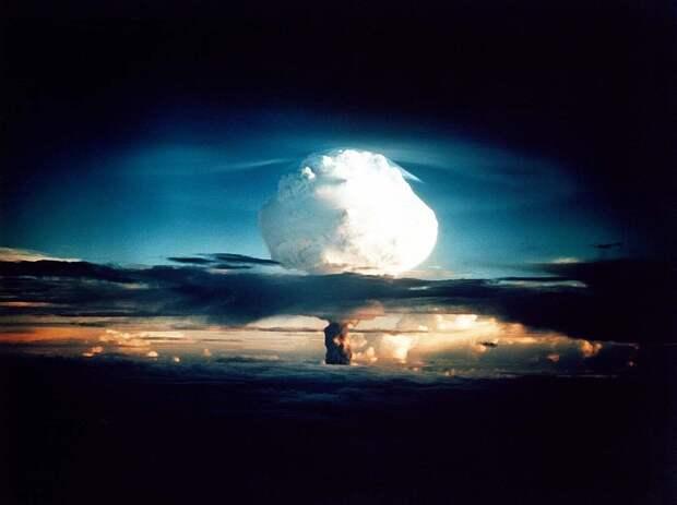Страшнее ядерной бомбы: от какого оружия нет защиты ни у одной страны