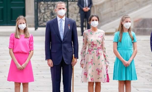 Король Филипп и королева Летиция с дочерьми отметили День Святого Иакова в Галисии