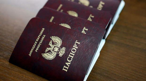 «Кто-то говорит, а Россия помогает»: жители Донбасса ответили на заявление ООН о паспортах