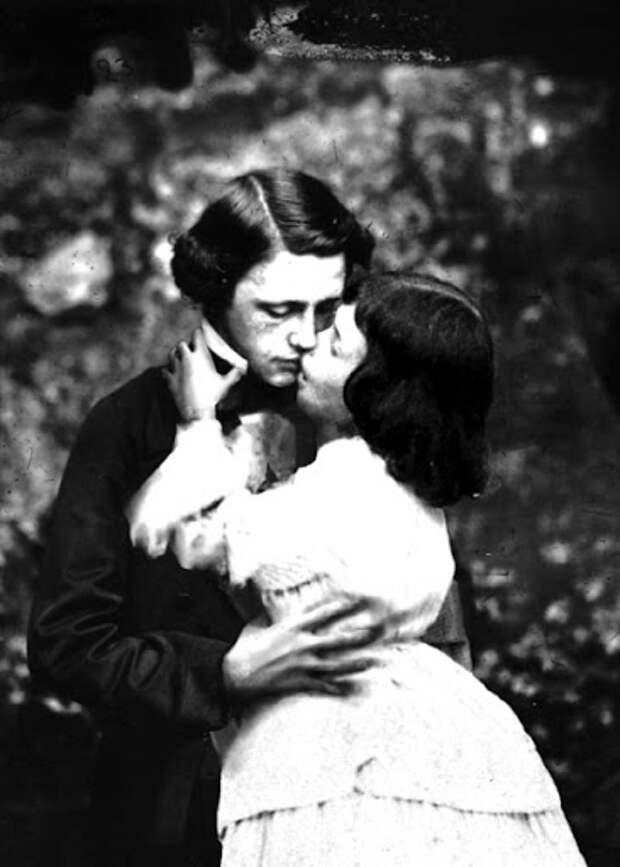 Тайная жизнь преподобного Льюиса Кэрролла: театр, фотография и… маленькие девочки