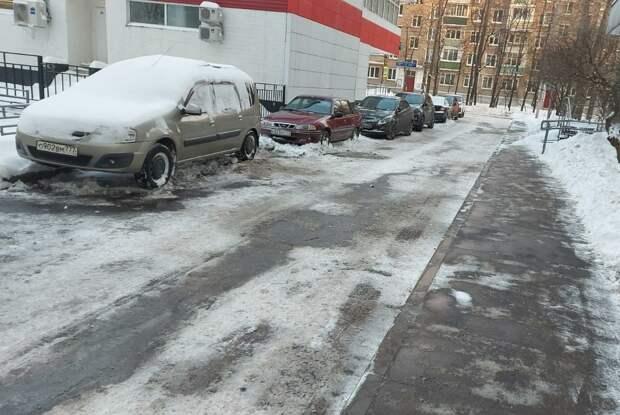 Путевой очистили от снега