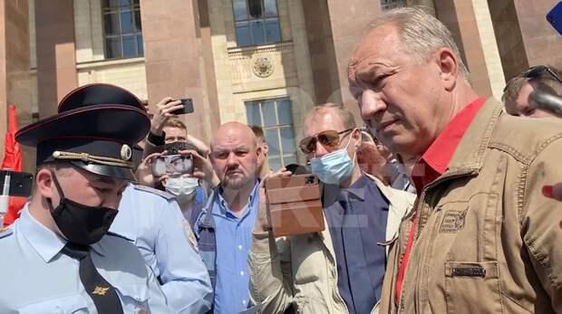 Рашкин с положительным тестом на COVID-19 принял участие в митинге