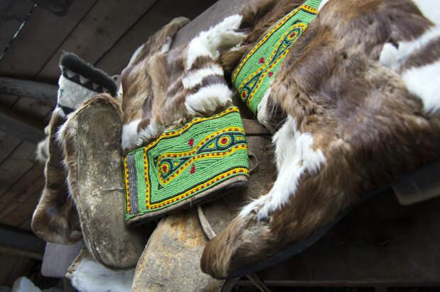 Валенки с традиционной меховой отделкой и вышивкой./Фото:img-fotki.yandex.ru