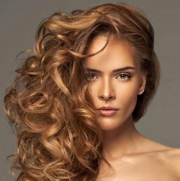 За молодую будут принимать: 3 цвета волос, которые нереально понижают возраст