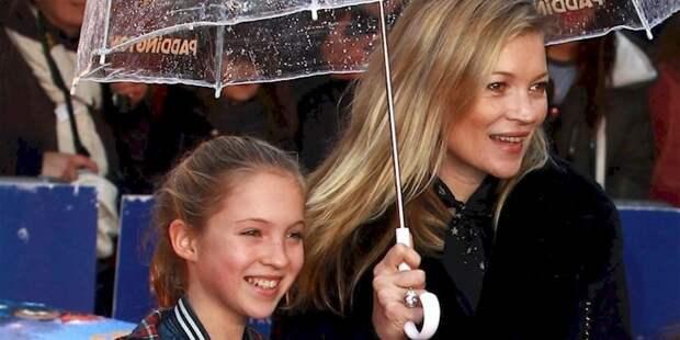 16. Кейт Мосс (справа) и ее дочь Лила Грейс Мосс (слева). отцы и дети, прикол, фото
