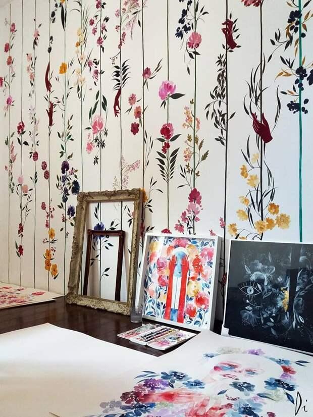 Преимущества использования цветочных обоев в дизайне интерьера