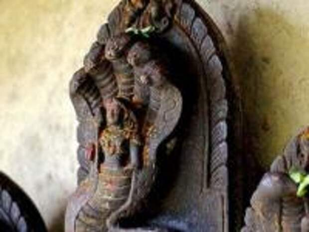 """Змее-люди: пара слов о """"древней цивилизации""""... разумных динозавров"""