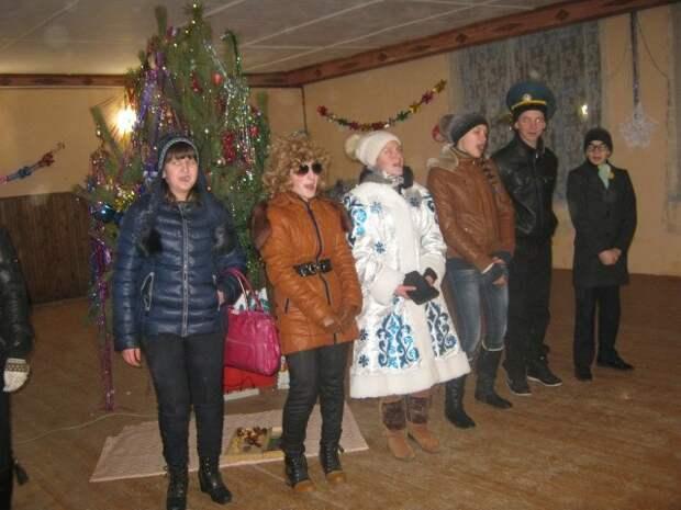 Когда детишки отпраздновали, начинается взрослое время весело, деревня, интересно, новый год, село, юмор