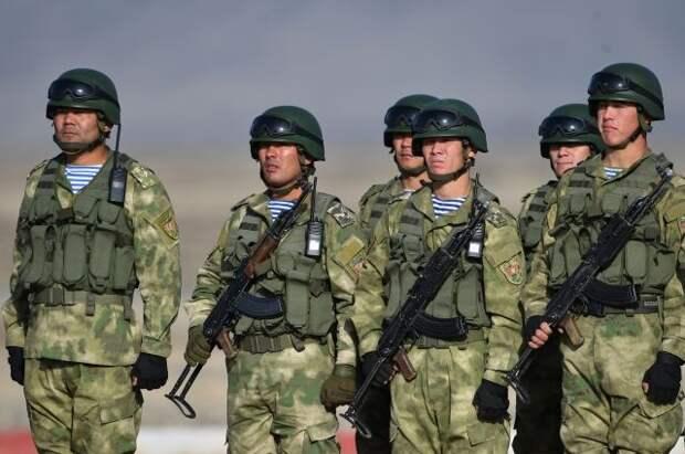 Киргизия и Таджикистан договорились прекратить огонь на границе