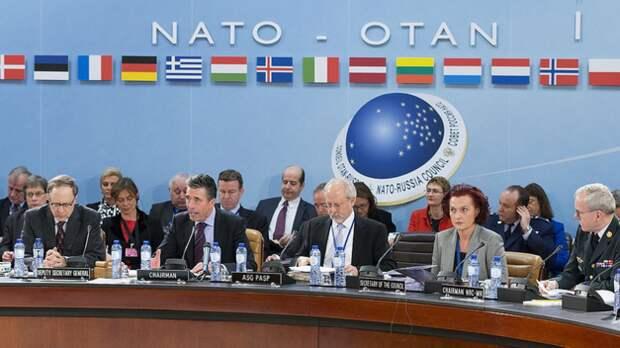 """Белый дом: НАТО откажется от """"конструктивного партнерства"""" с РФ"""