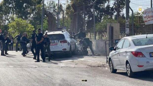 В Иерусалиме автомобиль протаранил полицейских, водитель ликвидирован