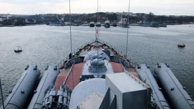 "Китайцы рассказали, как дерзкий маневр крейсера ""Москва"" обратил в бегство фрегат ВМС США"