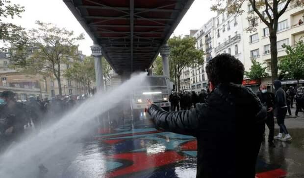 Во Франции полиция разогнала выступивших в поддержку Палестины демонстрантов