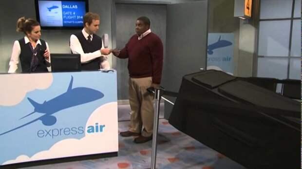 6. Встречали таких в реальной жизни?  Это кадр из видеоролика о любителях габаритного багажа аэропорт, багаж, путешественники, фото, юмор