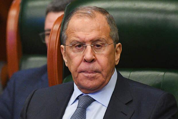 Лавров обвинил Украину в нарушении всех договоренностей по Донбассу