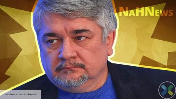 Ищенко пояснил, какЯнукович мог обыграть Запад и сохранить Крым