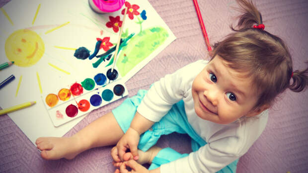5 интересных идей по оформлению детских рисунков