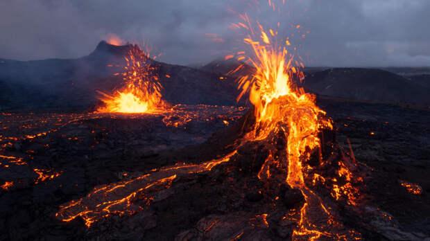 Проснувшийся в Исландии вулкан Фаградальсфьядль выставили на продажу