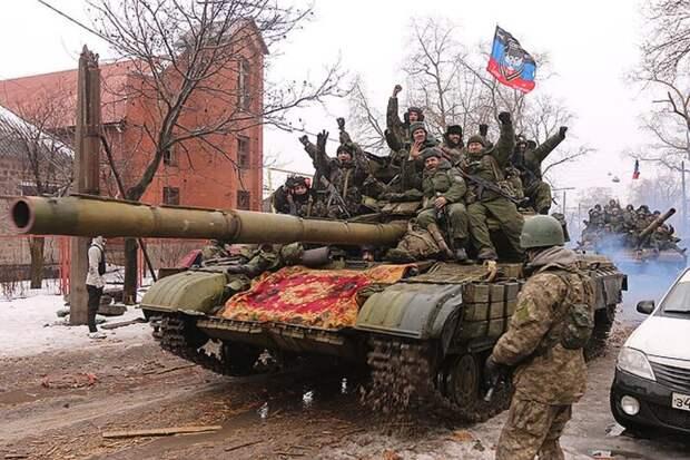 Названо число танков, бронемашин и артиллерийских орудий у ополченцев Донбасса