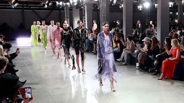 Модная неделя Mercedes-Benz открывает сбор вещей для будущих коллекций