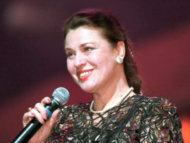 Народная артистка РСФСР Валентина Толкунова | Фото: vokrug.tv