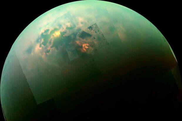 Титан, странный спутник Сатурна, стал еще более странным.