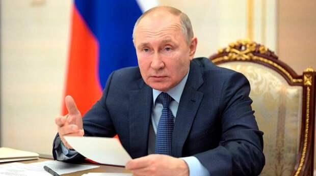 Как Путин напоил Саркози и спустил своего лабрадора на Меркель
