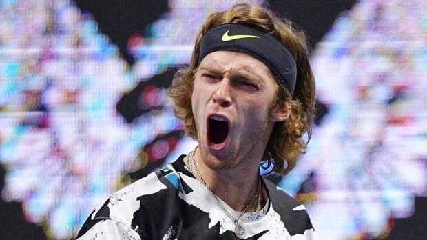 Русский теннисист сравнялся по титулам в сезоне с великим Джоковичем