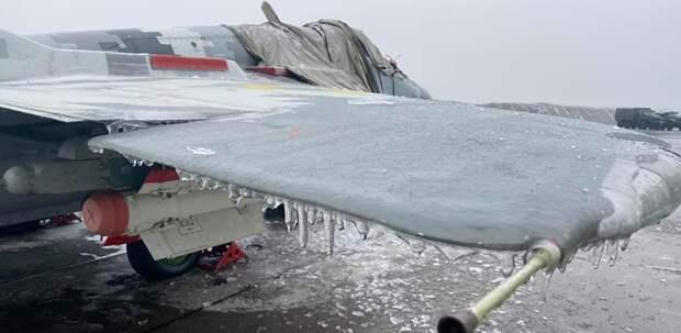 На Украине обледенели МиГ-29 тактической авиации