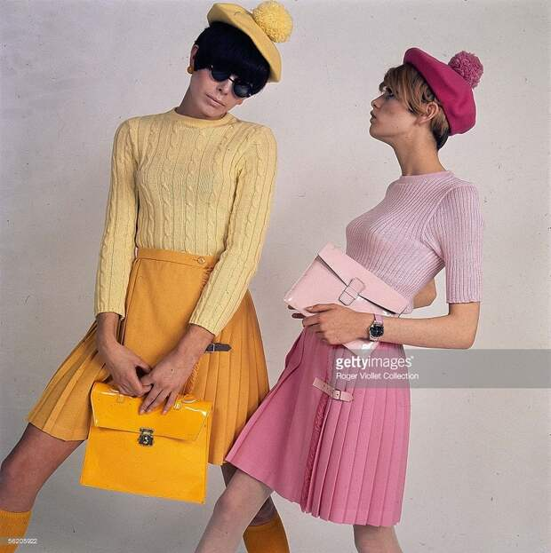 Ready-to-wear. Pleated skirts. Twiggy, on the right. France, 1966-1967..jpg