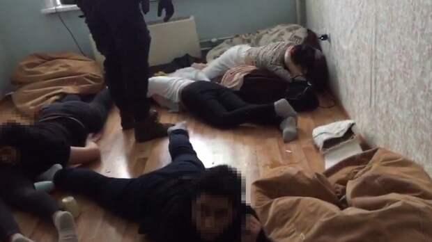 В Новосибирске задержали злоумышленников, обманувших по меньшей мере 10 жителей Удмуртии