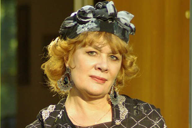 Людмила Нильская в фильме «Причал любви и надежды».
