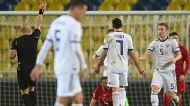 УЕФА не оставил без внимания безобразное судейство Марчиняка: матч России с Сербией обслужит английская судейская бригада, которая заменит польскую