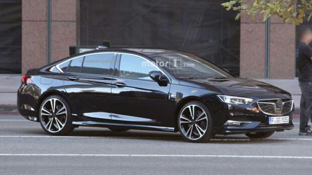 Новый Opel Insignia: на улицах города во всей красе!