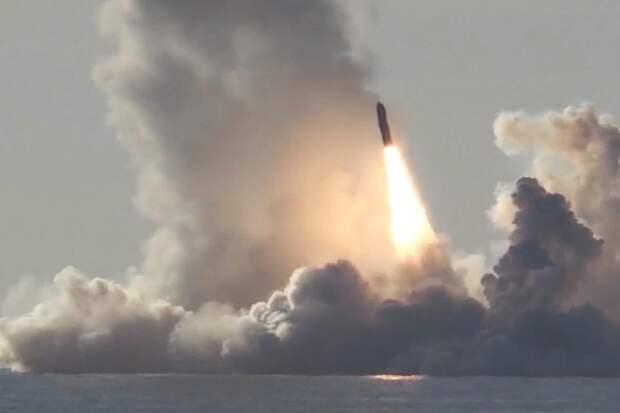 """Запуск ракеты """"Булава"""". Источник изображения: https://vk.com/denis_siniy"""