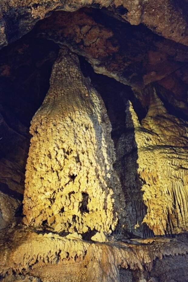 Королева, Бегемот и музыка вечности:прогулка по пещере Кизил-Коба