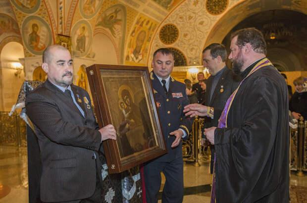 В Крым передадут восстановленную и освященную в Москве Икону Пресвятой Богородицы 7