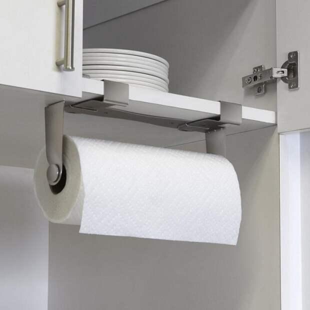 Используйте бумажные полотенца вместо кухонных, чтобы реже стирать. / Фото: Grandbagazh.ru