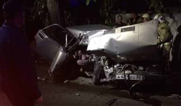 Подросток стал жертвой столкновения авто с электроопорой в Симферополе