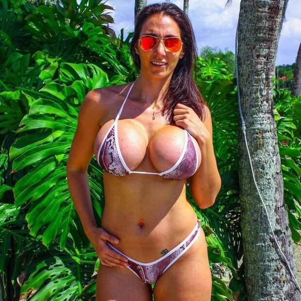 А продолжим уже совсем недетскими размерчиками Большая грудь, девушки с большой грудью, женские прелести, огромная грудь